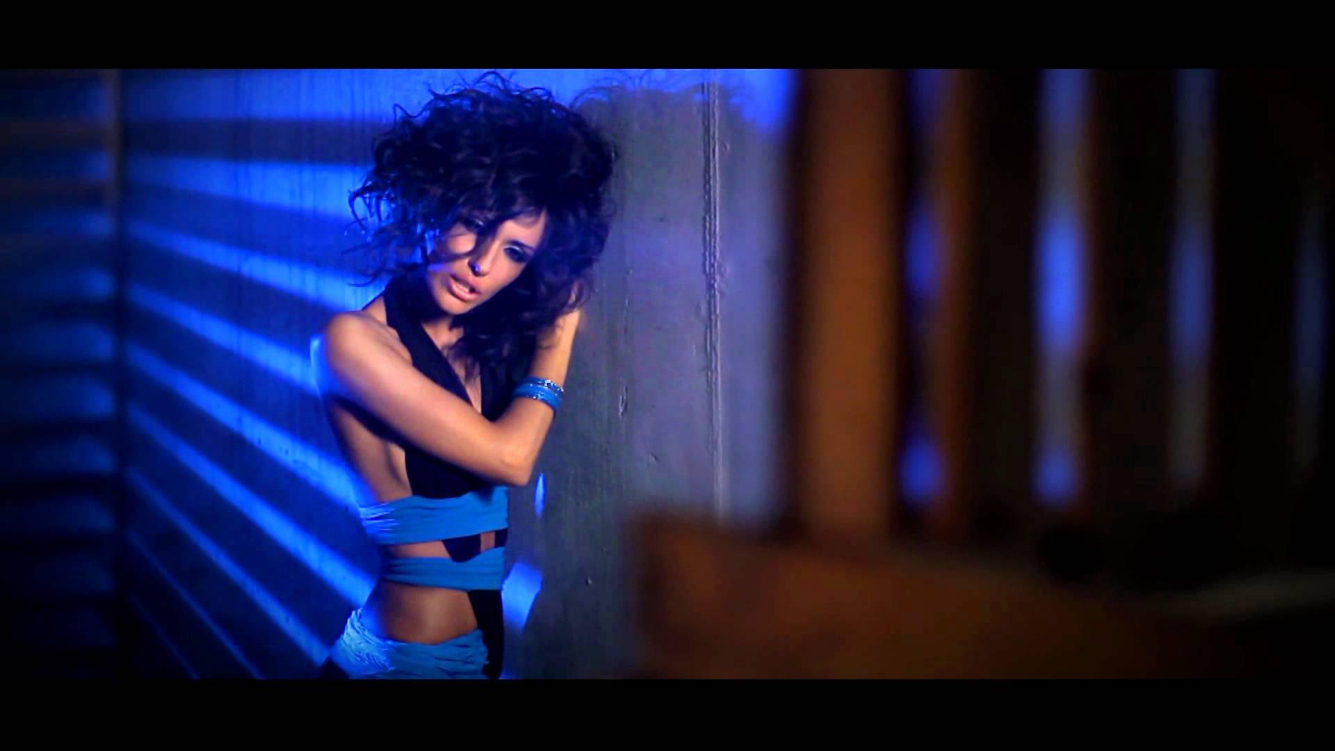 Mihran Tsarukyan feat. Lilit Hovhannisyan – Inchu em qez sirum
