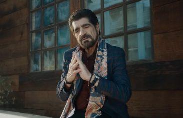 Harout Pamboukjian & Anna Boyrazyan - Karmir Tsaghik me garuni