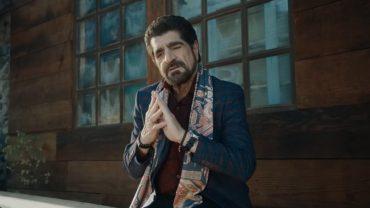 Harout Pamboukjian & Anna Boyrazyan – Karmir Tsaghik me garuni